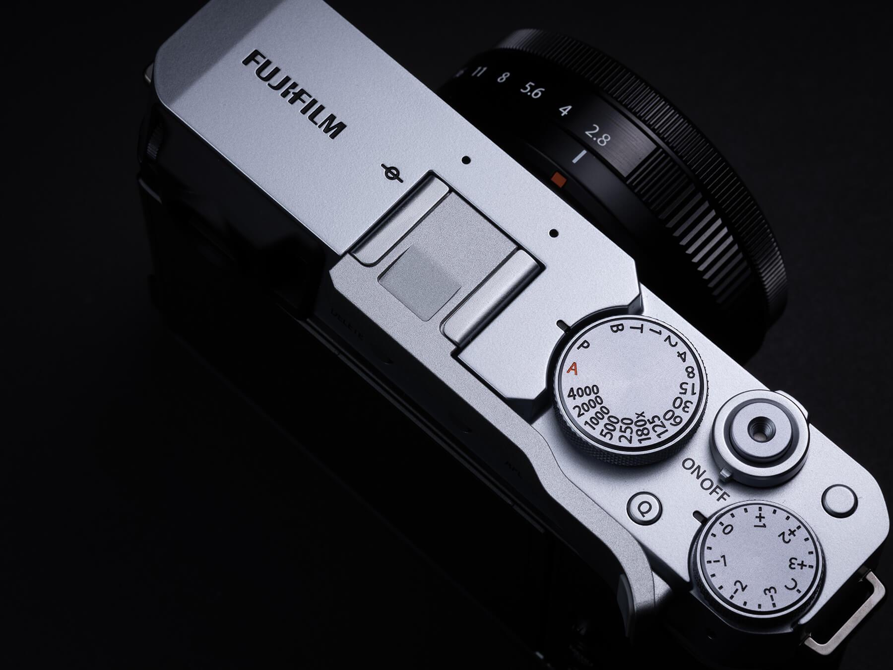 Fujifilm X-E4 top